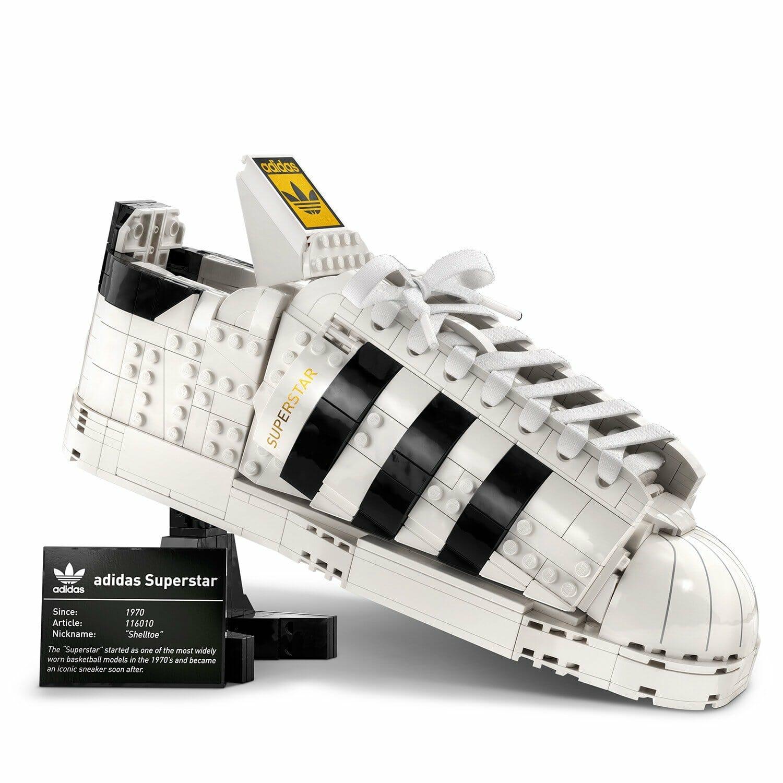 อาดิดาส ออริจินอลส์ - อาดิดาส ออริจินอลส์ จับมือ เลโก้ กรุ๊ป เปิดตัวรองเท้าผ้าใบระดับตำนานรุ่นซุปเปอร์สตาร์ พร้อมเลโก้คอลเล็กชันพิเศษ